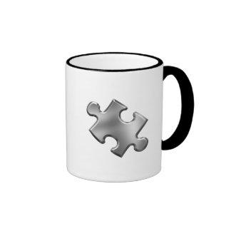 Argent de morceau de puzzle d'autisme mug ringer