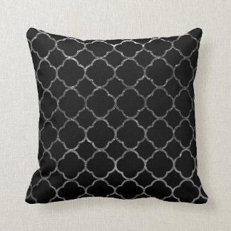 Argent noir marocain de motif moderne de coussin