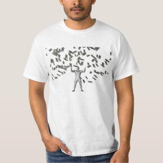 Argent tombant du ciel avec l'homme ci-dessous t-shirts