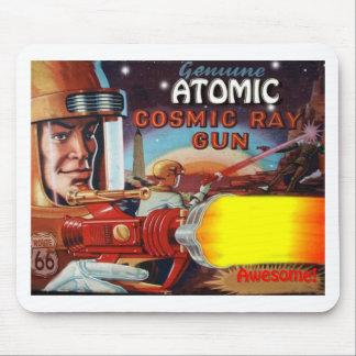 arme à feu de rayon atomique d'homme de l'espace tapis de souris
