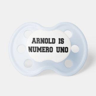 Arnold est tétine de l'ONU de Numero rétro