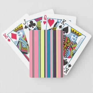 Arrière - plan coloré sans couture de motif de cartes à jouer