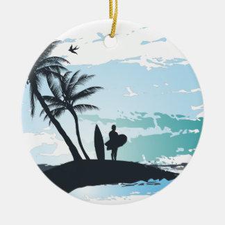Arrière - plan de surfer d'été de paume ornement rond en céramique
