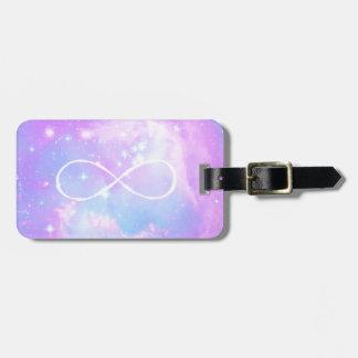 Arrière - plan en pastel magique de galaxie de étiquettes pour bagage