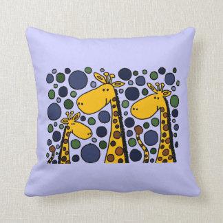 Art abstrait de famille drôle de girafe coussin