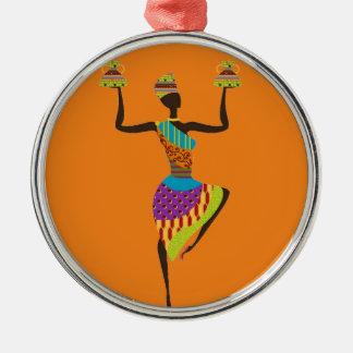 Art africain de tribal de dame ornement rond argenté