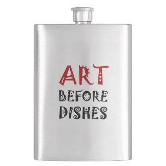 Art avant des plats flacons