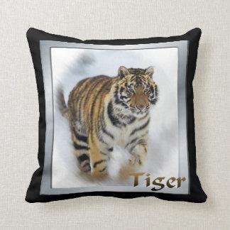 Art d'amants de tigre oreillers