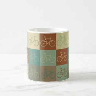 Art de bruit allant à vélo tasse