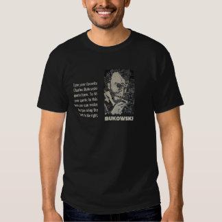 Art de Charles Bukowski avec la zone de texte T-shirts