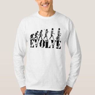 Art d'évolution de sport d'Unicycling de monocycle T-shirt