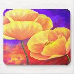 Art jaune de peinture de fleur de pavot tapis de souris