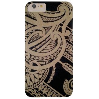 Art maori de tatouage sur le bois coque iPhone 6 plus barely there