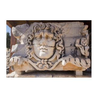 Art Mural En Acrylique Méduse découpant aux ruines grecques