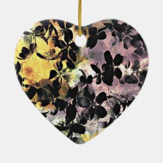 Art numérique floral rose jaune de motif de fleur ornement cœur en céramique
