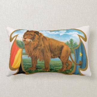 Art vintage d'étiquette de cigare, lion, roi de la oreiller