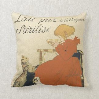 Art vintage Nouveau jeune fille donnant à chats l Coussin