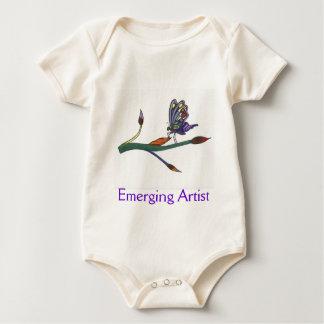 Artiste naissant de bébé barboteuse