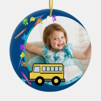 Arts et bleu d'autobus scolaire de métiers ornement rond en céramique