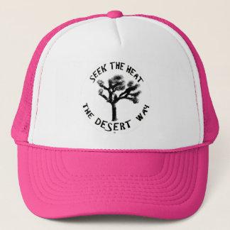 Assez dans le casquette rose de camionneurs
