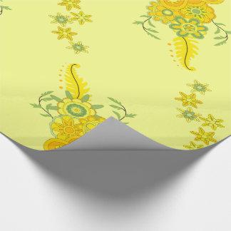 Assez le jaune fleurit la pièce maîtresse papier cadeau