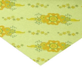 Assez le jaune fleurit la pièce maîtresse papier mousseline