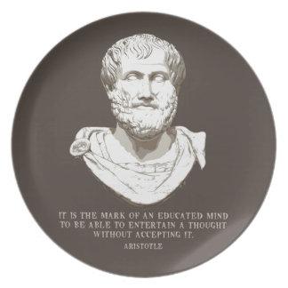 Assiette Aristote a instruit l'esprit