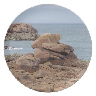 Assiette Côte rose de granit en Bretagne