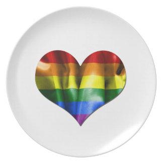 Assiette Drapeau de coeur d'amour de gay pride