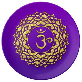 Assiette En Porcelaine Art d'or pourpre de Chakra de couronne
