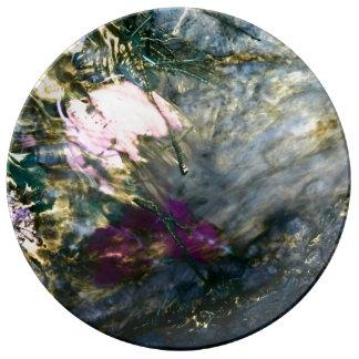 Assiette En Porcelaine Fleur abstraite dans l'eau