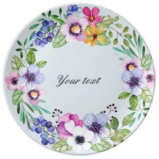 Assiette En Porcelaine Fleurs et plat de porcelaine de baies