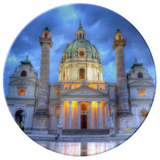 Assiette En Porcelaine L'église de Charles de saint à Vienne, Autriche