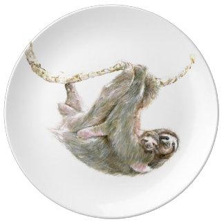 Assiette En Porcelaine Maman de paresse et caresses de bébé