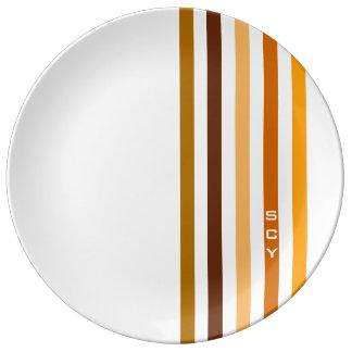 Assiette En Porcelaine Monogramme orange bronzage de rayures verticales