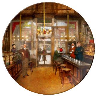Assiette En Porcelaine Pharmacie - la pharmacie 1910 de Congdon
