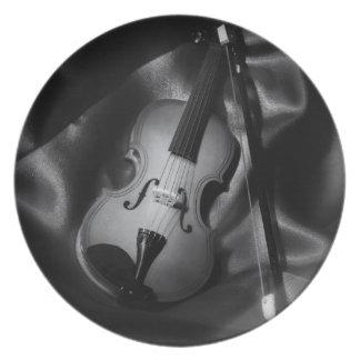 Assiette image de b&W de l'Encore-vie d'un violon