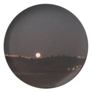Assiette Lever de la lune sur les collines