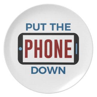 Assiette Moins de téléphone plus de contact humain de
