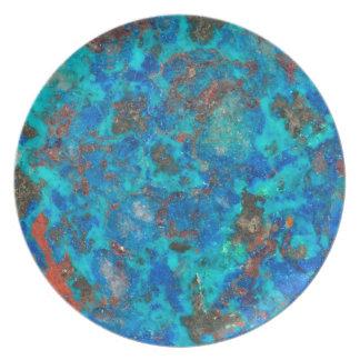 Assiette Shattuckite patterened par bleu