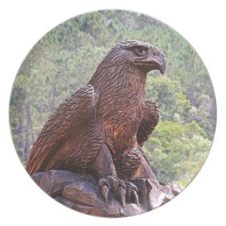 Assiette Totem d'Eagle découpant, Portugal 2