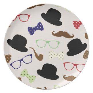Assiette Verres, casquettes et moustache