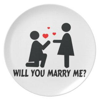 Assiette Vous m'épouserez avez plié la femme de genou et la