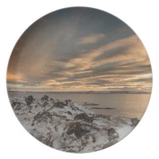 Assiettes En Mélamine Coucher du soleil au-dessus de lac Myvatn, Islande