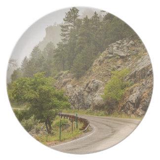 Assiettes En Mélamine Crique de Boulder et commande brumeuses pluvieuses