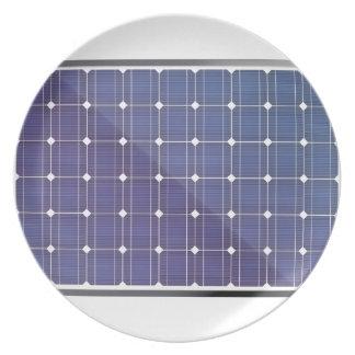 Assiettes En Mélamine Panneau solaire sur le blanc