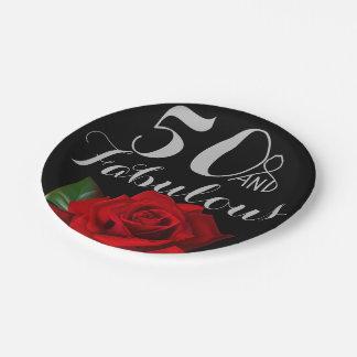 Assiettes En Papier 50 et anniversaire fabuleux avec les roses rouges