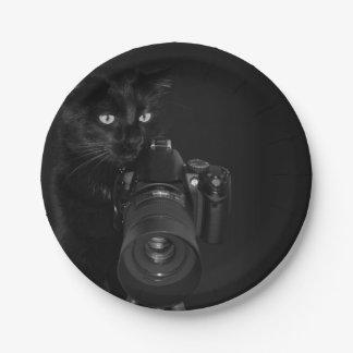 Assiettes En Papier Chat noir drôle avec l'appareil-photo