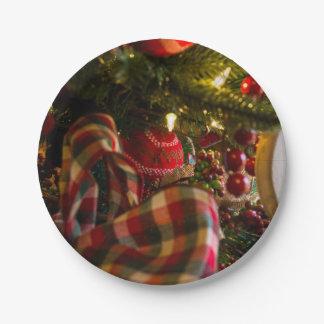 Assiettes En Papier Dans un arbre de Noël