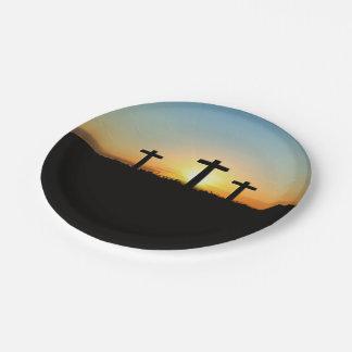 Assiettes En Papier Les croix de crucifixion au coucher du soleil